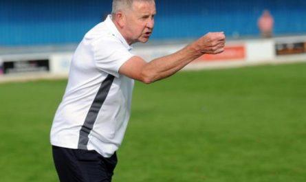 Terry Brown Mengundurkan Diri Sebagai Ketua Basingstoke Town FC